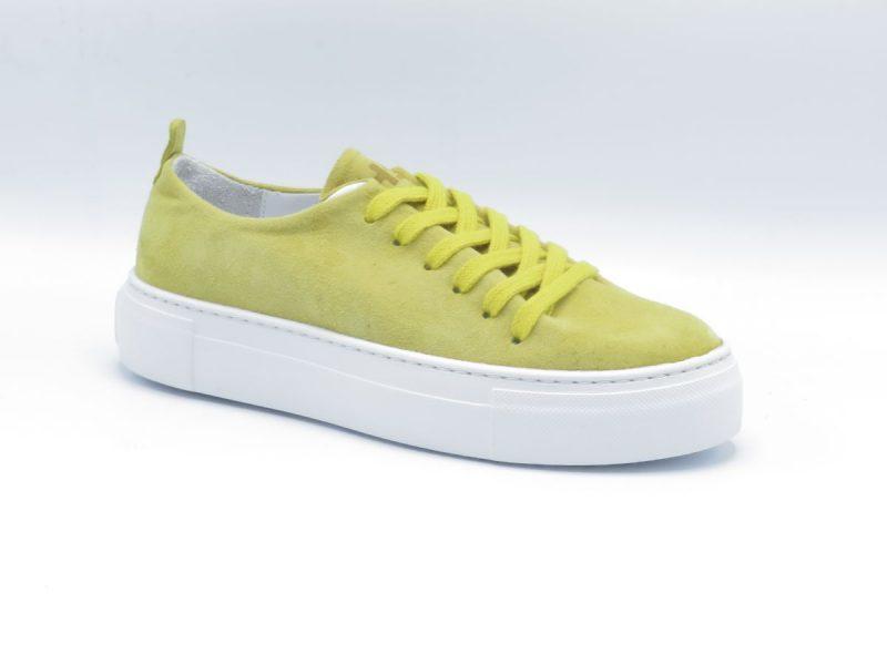 H32 one pice sneaker 5802-007 geel suède